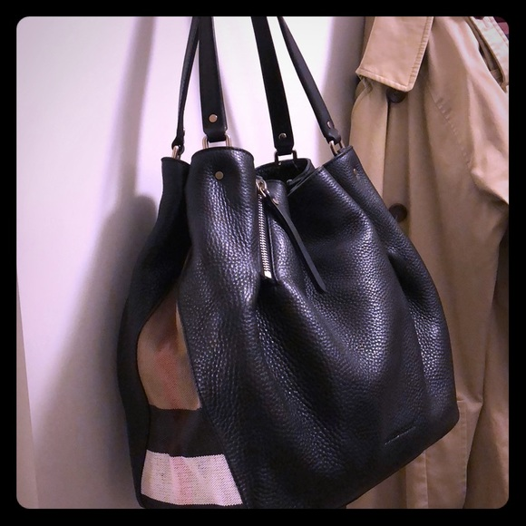 a8f7f73f75f6 Burberry Handbags - Burberry Maidstone leather Canvas medium tote